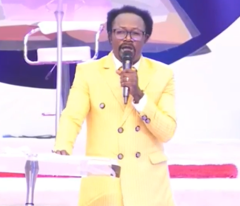 """""""You can walk to the mosque and pray and not feel afraid but you can stay around pastors and be afraid to be poisoned""""- Clergyman Joshua Iginla (Video)"""